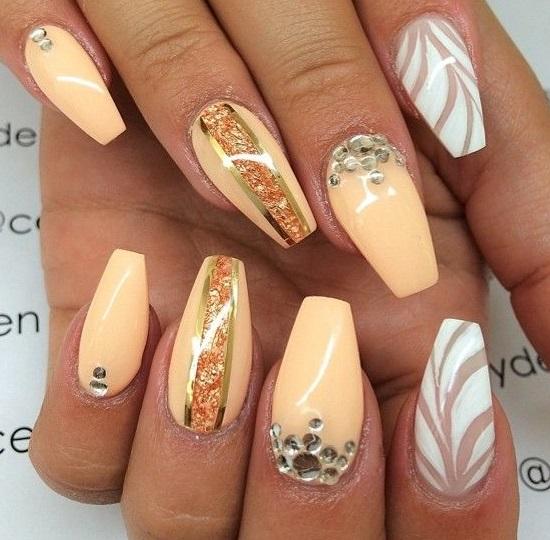 Forma unghiilor balerina