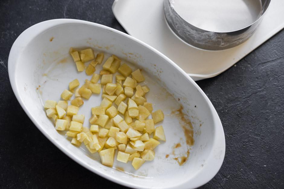 17 Cheesecake de mere cu paine de secara