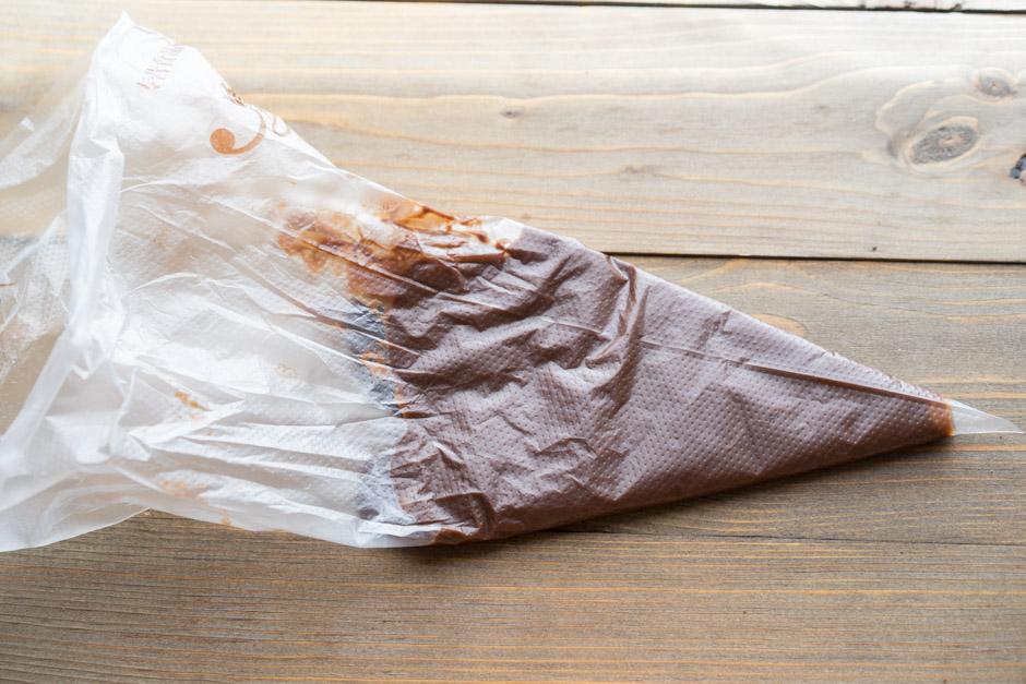 20 Tort de ciocolata cu caise si ganas