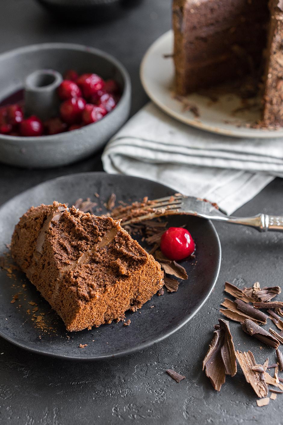 25 Tort de ciocolata cu caise si ganas