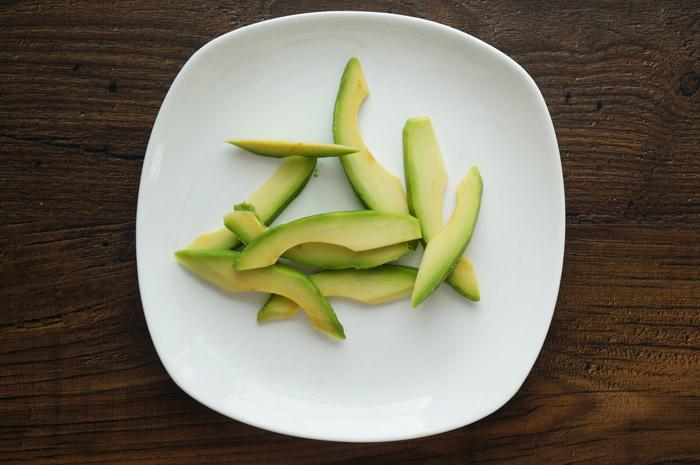 10 Salată cu avocado și bacon