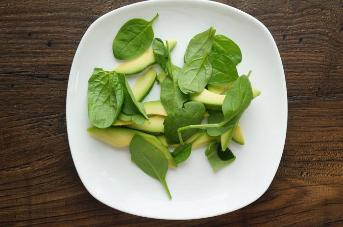 11 Salată cu avocado și bacon