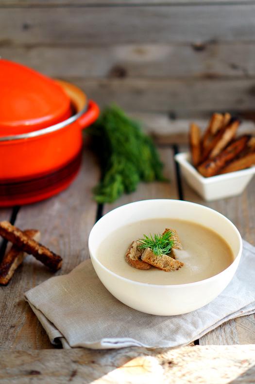 14 Supă cremă de ciuperci cu smântână dulce
