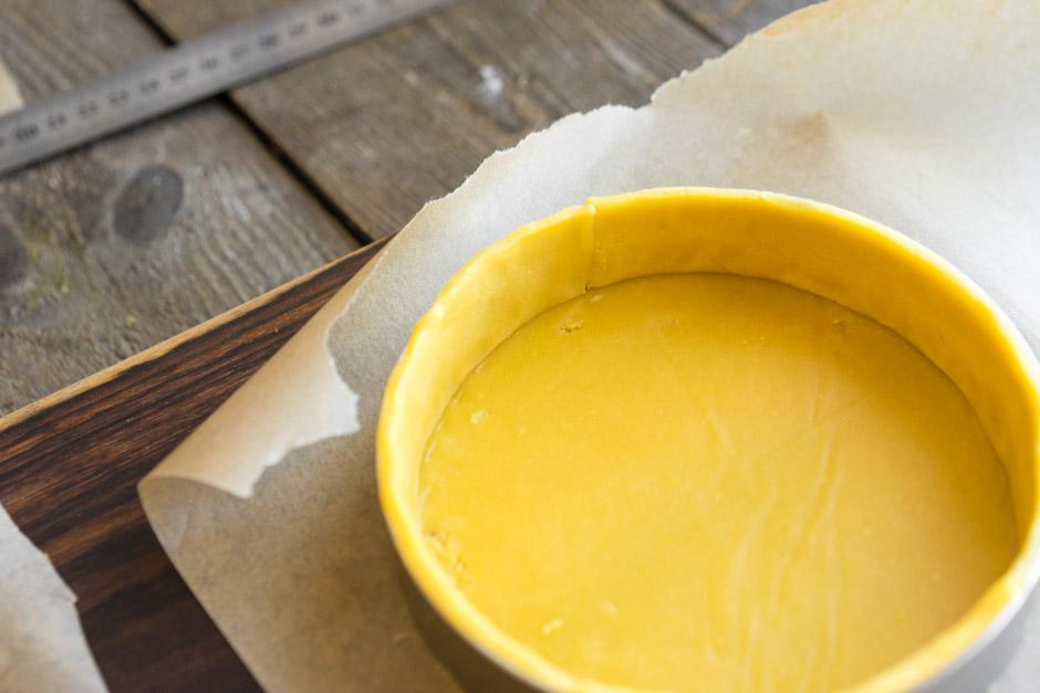 24 Tartă cu Mango și Zmeură