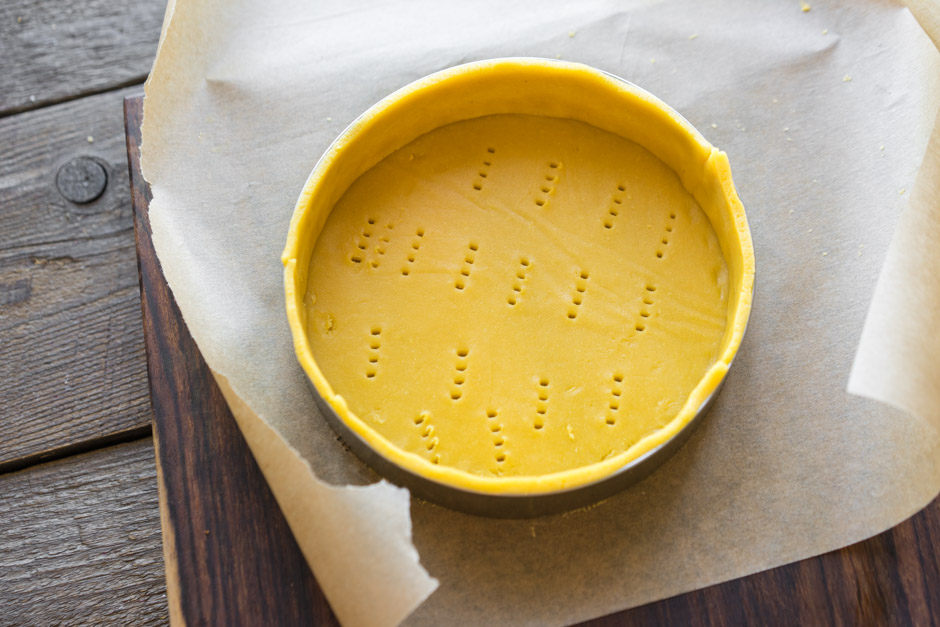 26 Tartă cu Mango și Zmeură