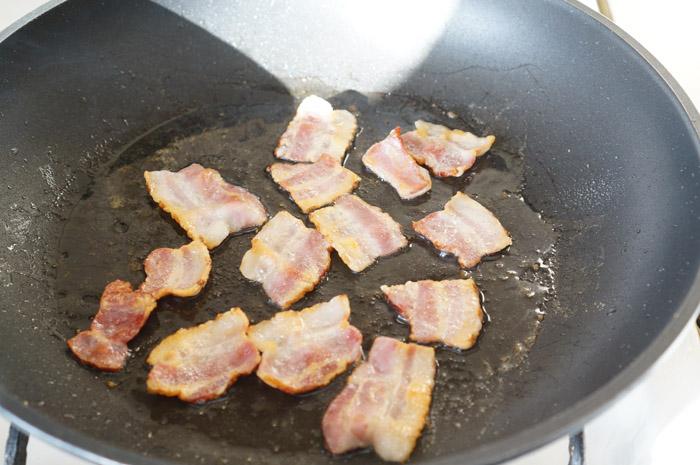 3 Salată cu avocado și bacon
