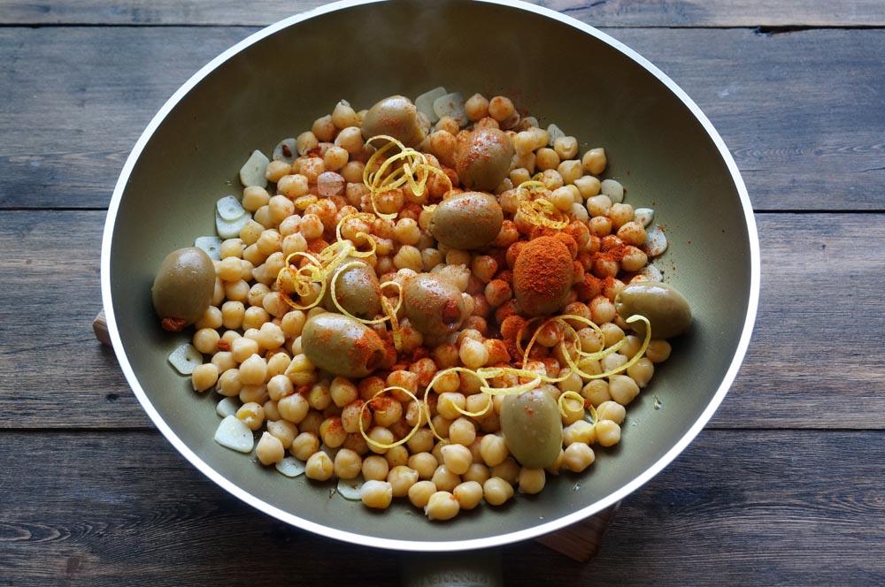 6 Salată mediteraneană cu năut