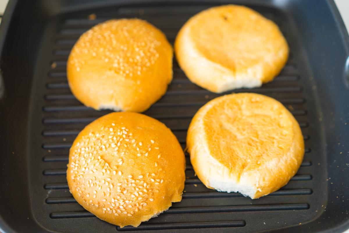 7 Hamburger cu Pui