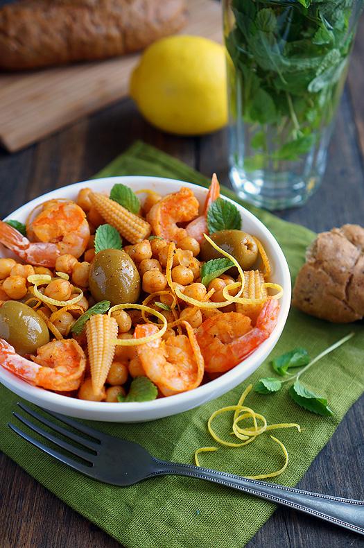8 Salată mediteraneană cu năut