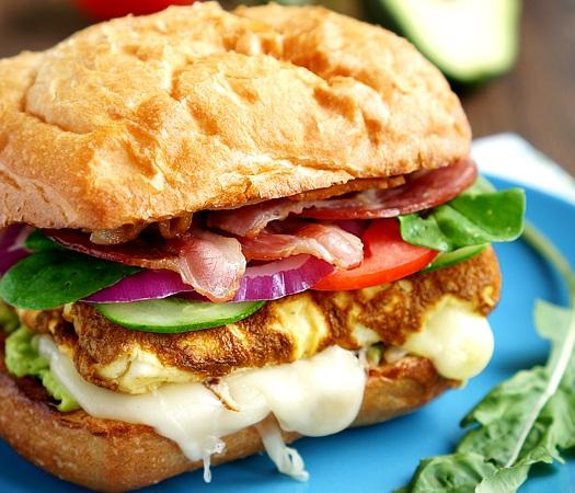 Sandwich cu Omletă