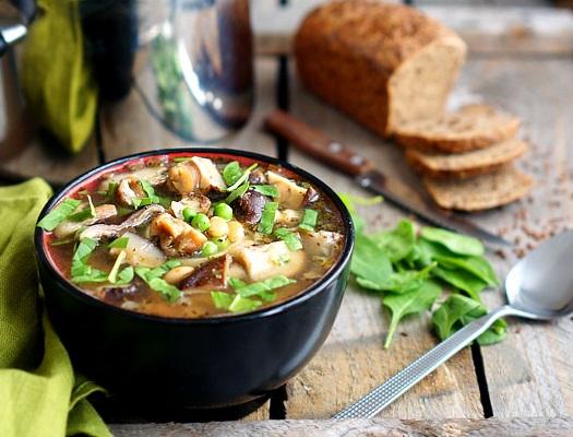 Supă de ciuperci cu fasole
