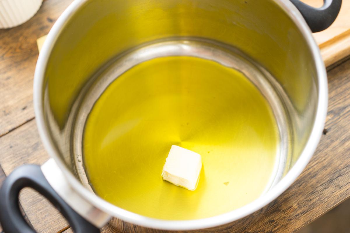 3 Supa crema de conopida si pesmeti cu mustar