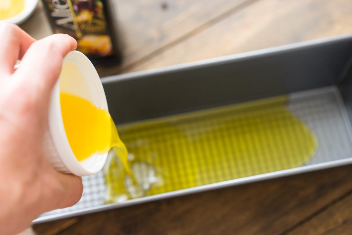 6 Supa crema de conopida si pesmeti cu mustar