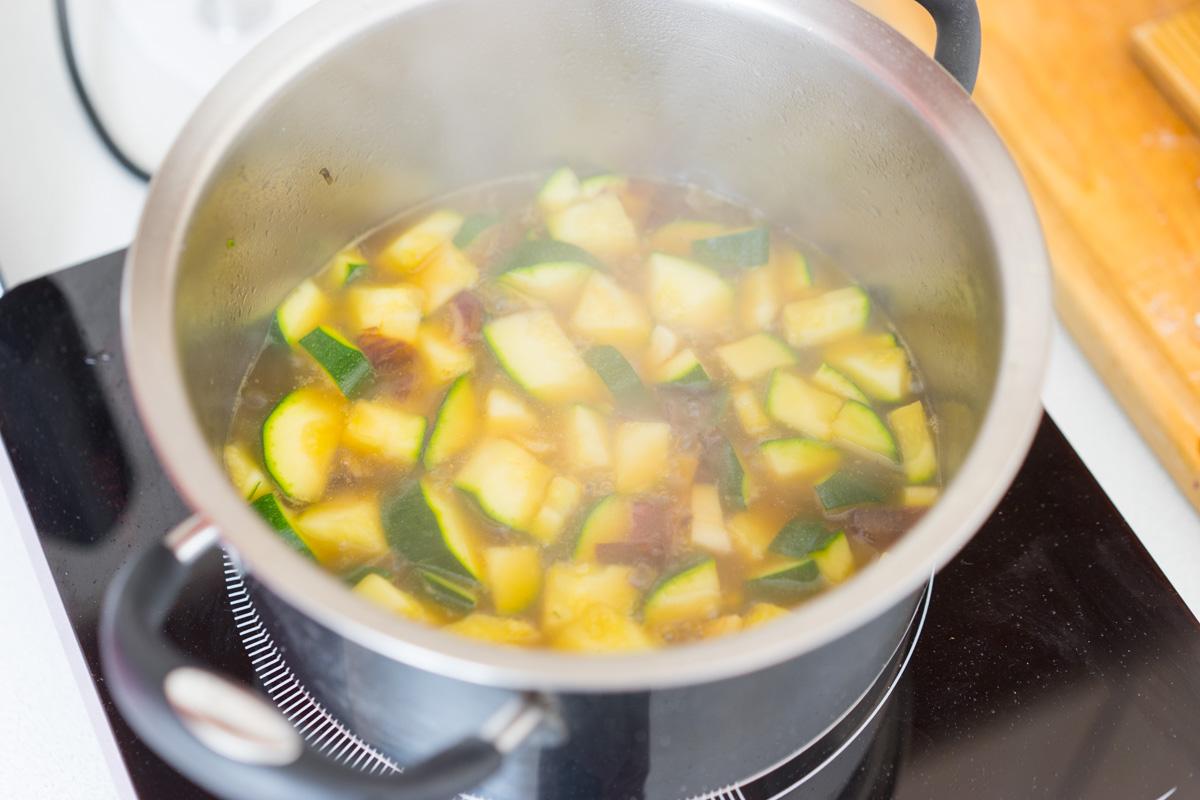 8 Supa crema de zucchine si menta