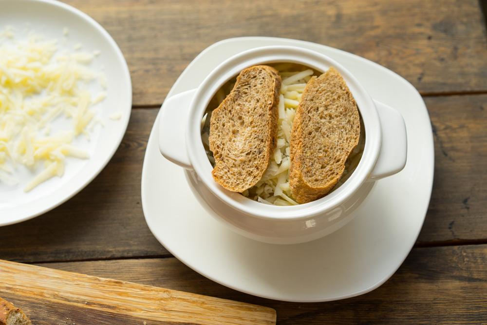 12 Supa de ceapa frantuzeasca
