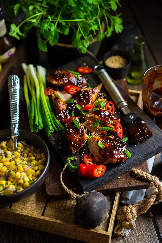 13 Carne de porc glazurata cu salata de porumb