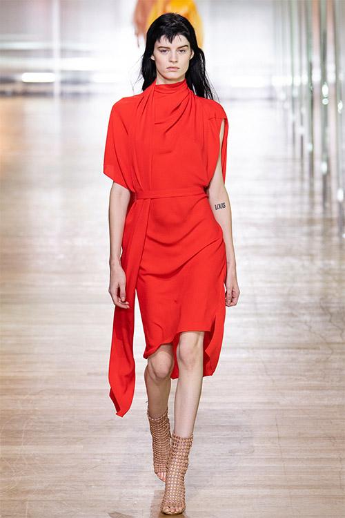 Nuante de rosu la moda 2019