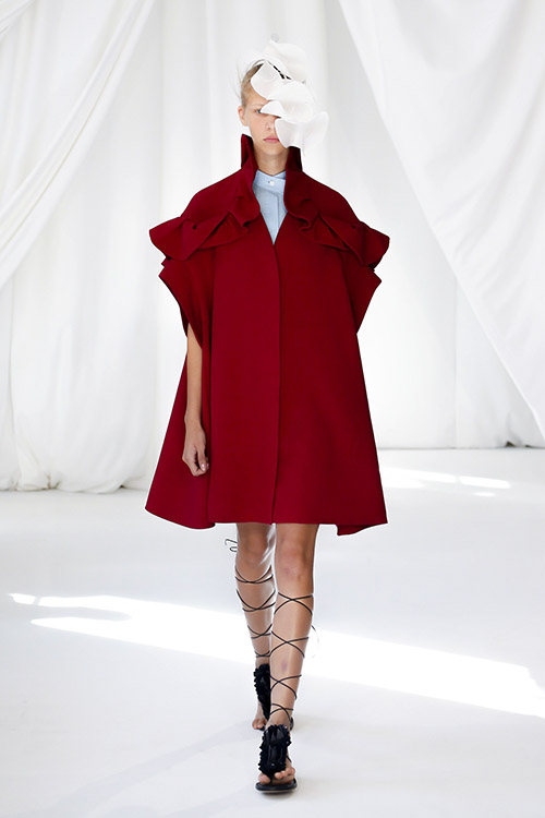 Culori la moda 2019 rosu inchis