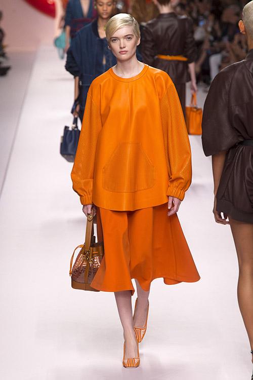 Culoarea portocalie la moda in 2019
