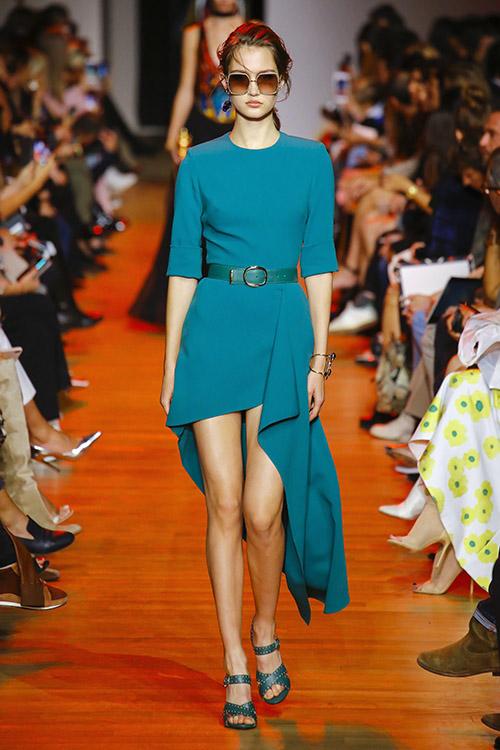 Tendinte moda 2019 primavara vara asimetria