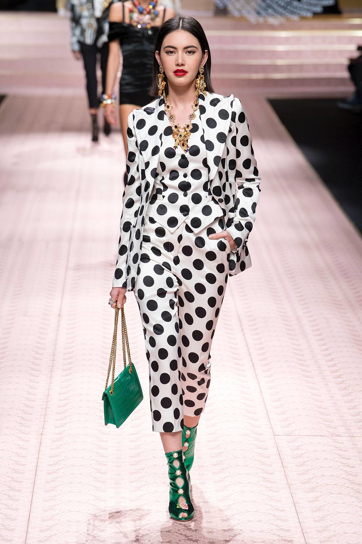 Costum dama cu pantaloni primavara vara 2019
