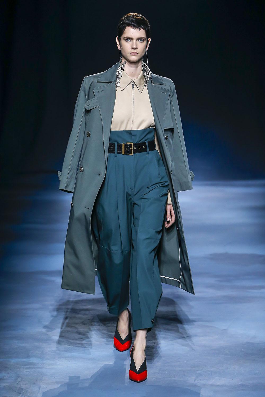 Pantaloni cu talia inalta la moda in 2019