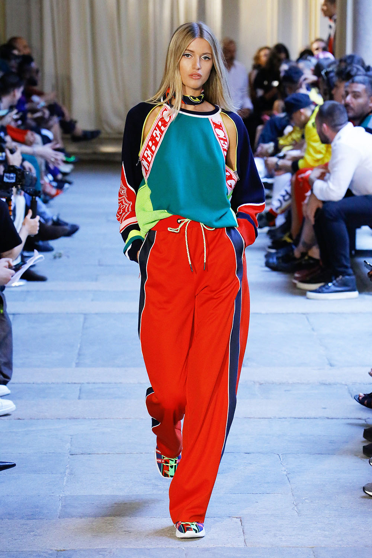 Modele pantaloni cu vipusca primavara vara 2019