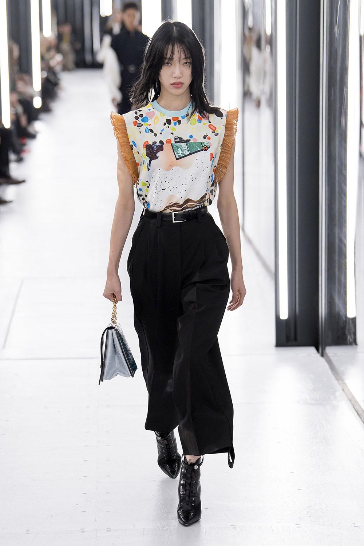 Pantaloni scurtati la moda in 2019