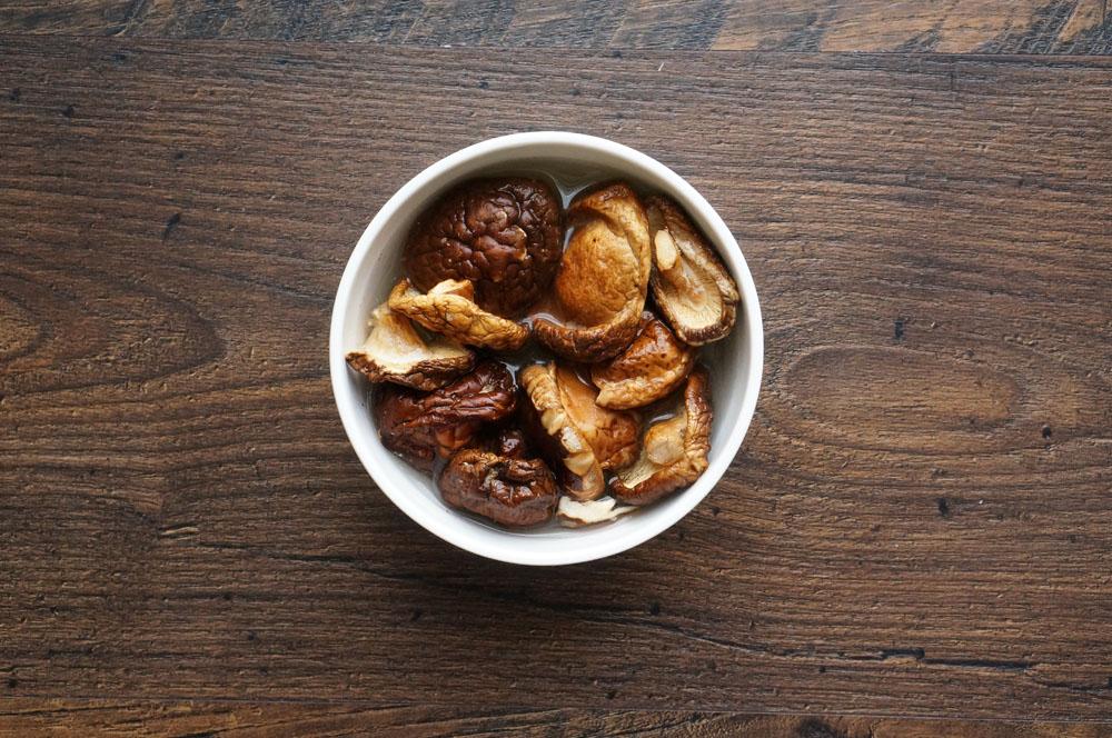 2 Supă de ciuperci cu fasole