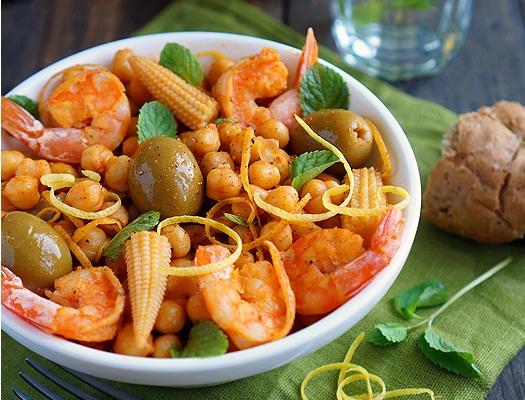 Salată mediteraneană cu năut