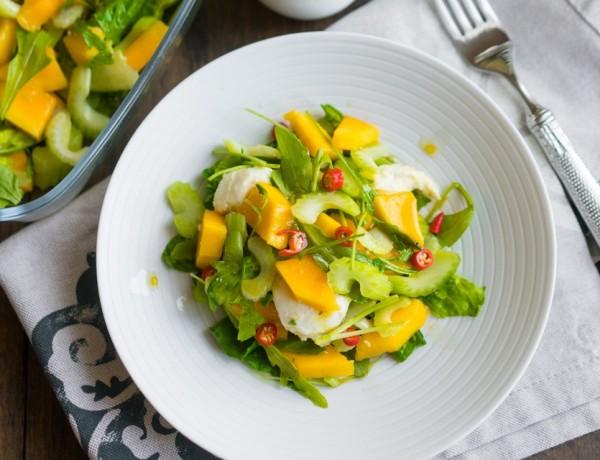 Salată cu Mango și Mozzarella