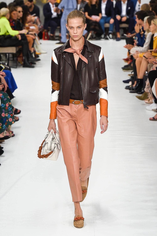 Modele pantaloni de piele 2019